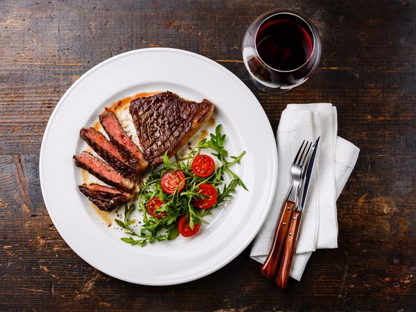 Drink Red Wine and Food.1