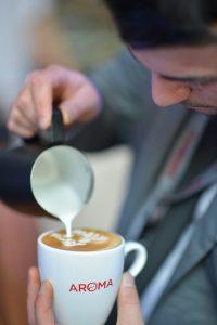 กาแฟกลมกล่อมฟองนมละมุน