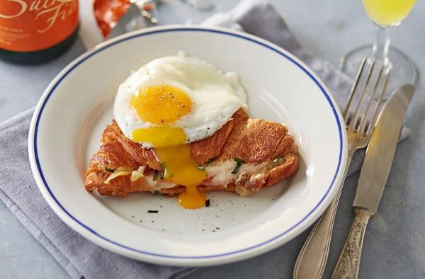 City Break Paris French Breakfast Pancake & Egg 5