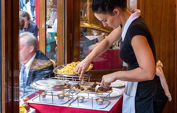 City Break Paris Steak and Famous Restaurant in Paris 12