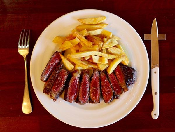 City Break Paris Steak and Famous Restaurant in Paris 9