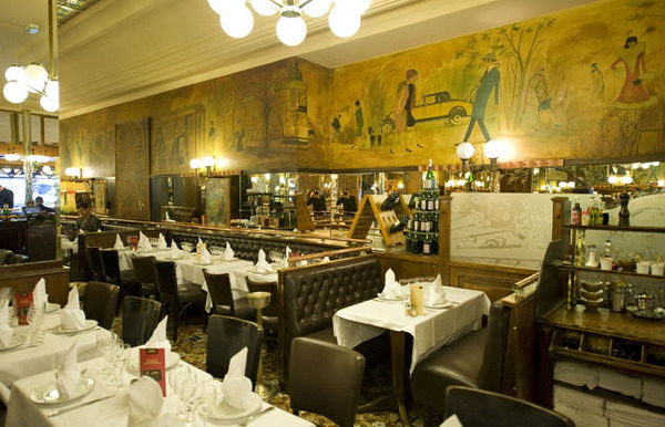 City Break Paris Brasseries Dinner in Paris 4