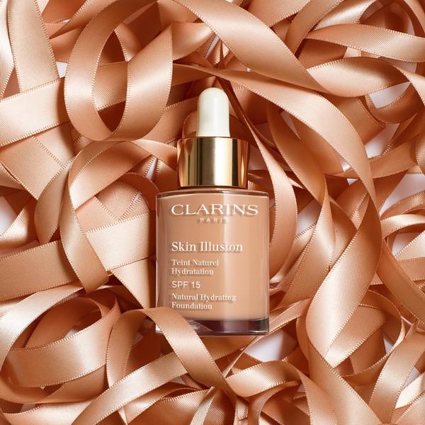 Clarins Skin Illusion SPF15-2