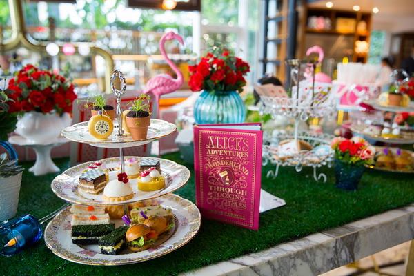 137 Pillars Mad Hatter Afternoon Tea Alice in Wonderland 7